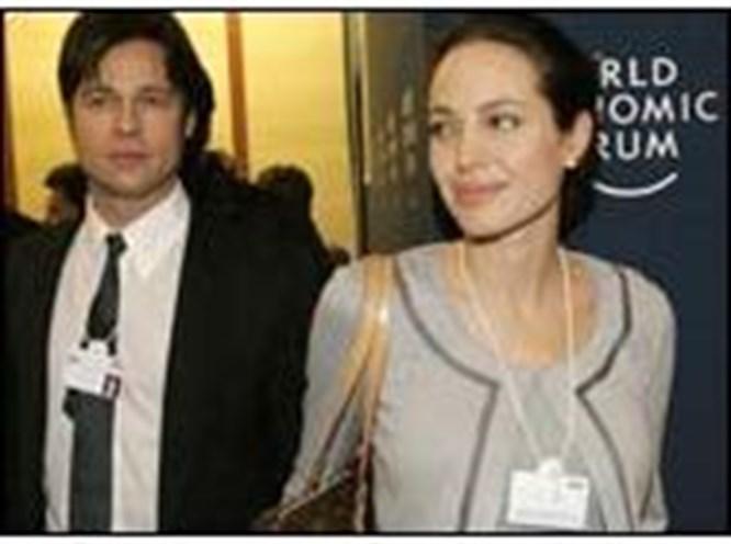 Angelina Namibya'da doğuracak